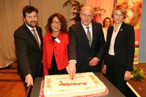 Anschneiden der Neujahrstorte: Kiefer, Heinrich, Wolbergs, Bahr