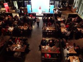 Rund 300 Gäste kamen in die Kälberhalle, um die SPD zu feiern und Ralf Stegner zu hören.